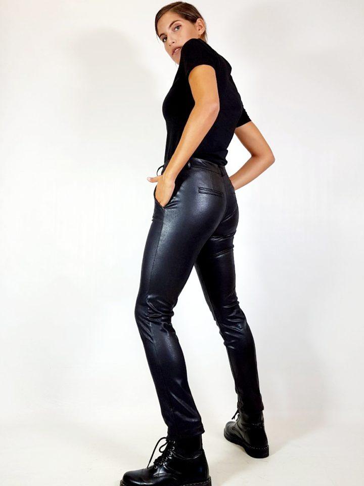 pantalone-effetto-pelle-invecchiata-elasticizzato-fiona-c-nero