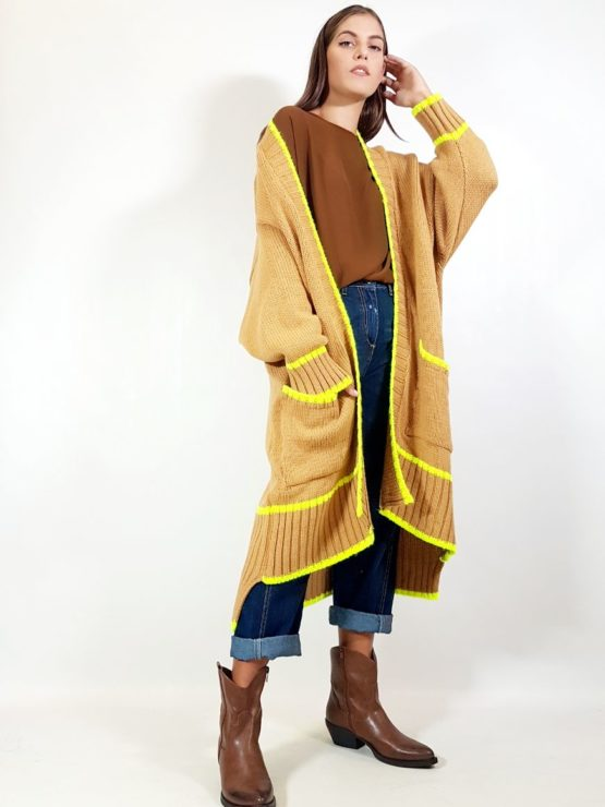 cappotto-in-maglia-fiona-c-cammello-e-fluo