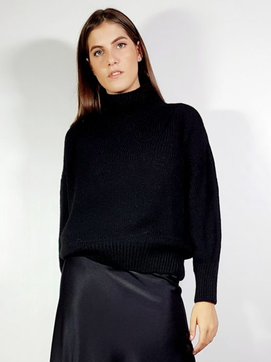 maglione-collo-alto-nero-fiona-c